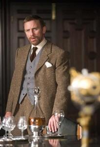 «Ehi, 007!» No, è un attore che si chiama Daniel Craig, e adesso taci.