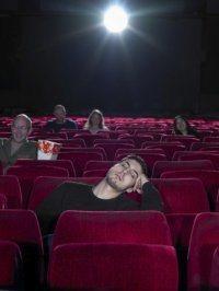 Se hai sbagliato film, dormi. Io con Sweeney Todd sono stato educato e mi sono messo a dormire.