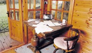 Il tavolo di Louis de Bernières