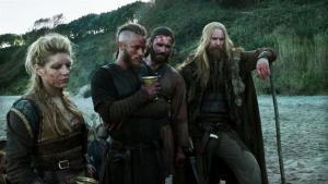 Lagertha, Ragnarr e Rollo.