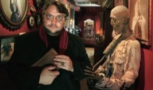 Del Toro e un angolo della sua casa